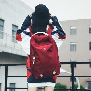 後 背 包